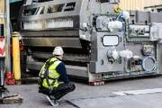 Investition in Mehrweg: Neue Reinigungsmaschine bei Coca-Cola in Deizisau eingetroffen