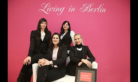 Logo von Living in Berlin