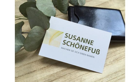 Logo von Susanne Schönefuß - Machen Sie sich einen Namen
