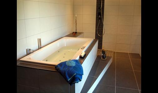 ausbildungsbetriebe fliesenleger gute bewertung jetzt lesen. Black Bedroom Furniture Sets. Home Design Ideas