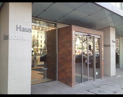 Kundenbild klein 2 Hausbank München eG - Bank für Haus- und Grundbesitz