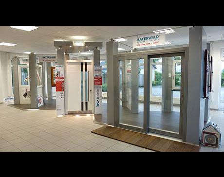 Kundenbild klein 3 H & S Fenster, Haustüren und Sonnenschutzsysteme