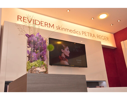 Kundenbild klein 6 Kosmetikstudio REVIDERM skinmedics Feucht, Kosmetik Petra Reger