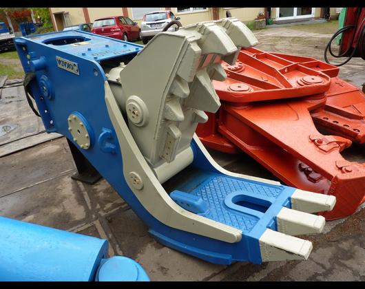 Kundenbild klein 4 Henze Abbruchtechnik Baumaschinen Vermietung