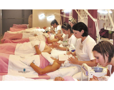 Kundenbild klein 2 Berufsfachschule für Kosmetik Gutsche