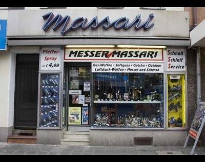 Kundenbild groß 1 Massari, Enrico Messer Massari Waffen Stahlwaren