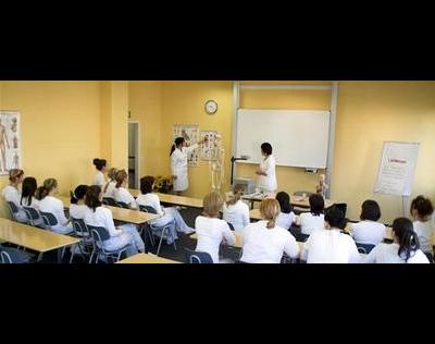 Kundenbild klein 2 Berufsfachschule für Kosmetik u. Fusspflege