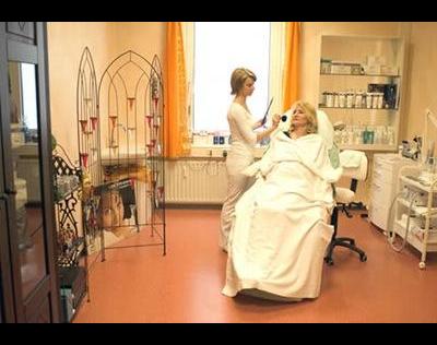 Kundenbild klein 5 Berufsfachschule für Kosmetik u. Fusspflege