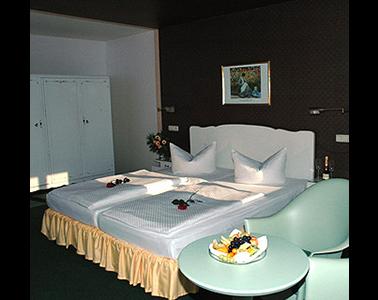 Kundenbild klein 2 Hotel Goldener Anker - Restaurant Ballsaal Biergarten