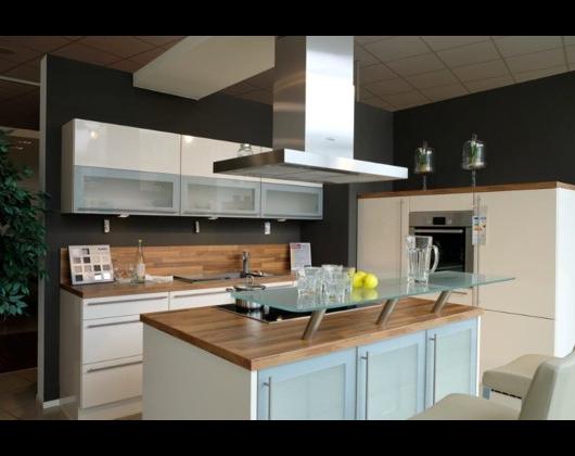 das k chenstudio reddy k chen in eislingen in das rtliche. Black Bedroom Furniture Sets. Home Design Ideas