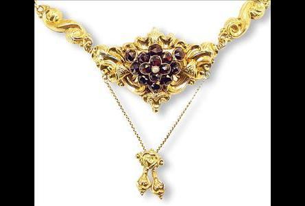 Kundenbild klein 8 Goldschmuck Riegel