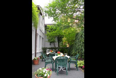 garden hotel in n rnberg altstadt und engere innenstadt im das telefonbuch finden tel 0911. Black Bedroom Furniture Sets. Home Design Ideas