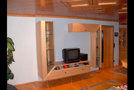 firma in hassfurt moebel. Black Bedroom Furniture Sets. Home Design Ideas