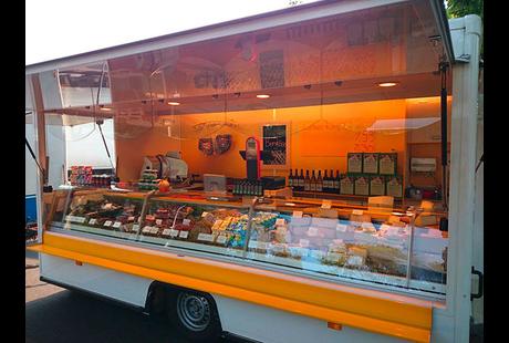 Kundenbild klein 2 Almpur - Tiroler Spezialitäten auf dem Wochenmarkt